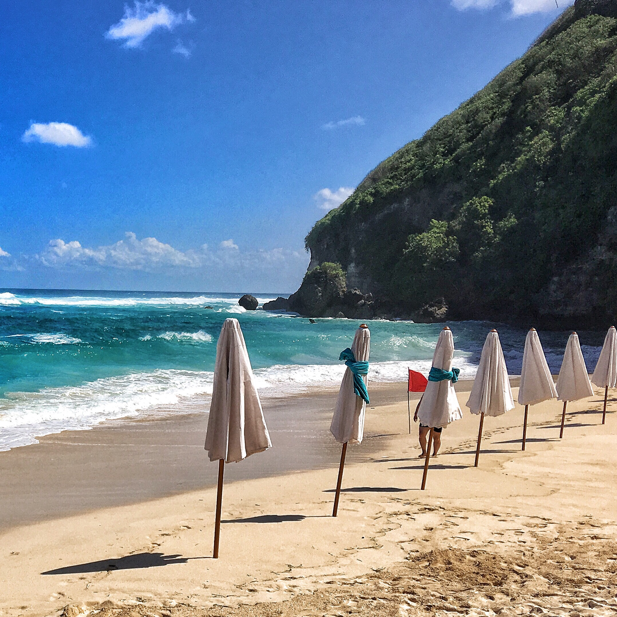 Bali Travel Diary The Ungasan Clifftop Resort And Sundays Beach